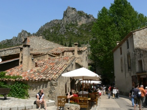 restaurants in St Guilhem - craggy mountain retreat behind